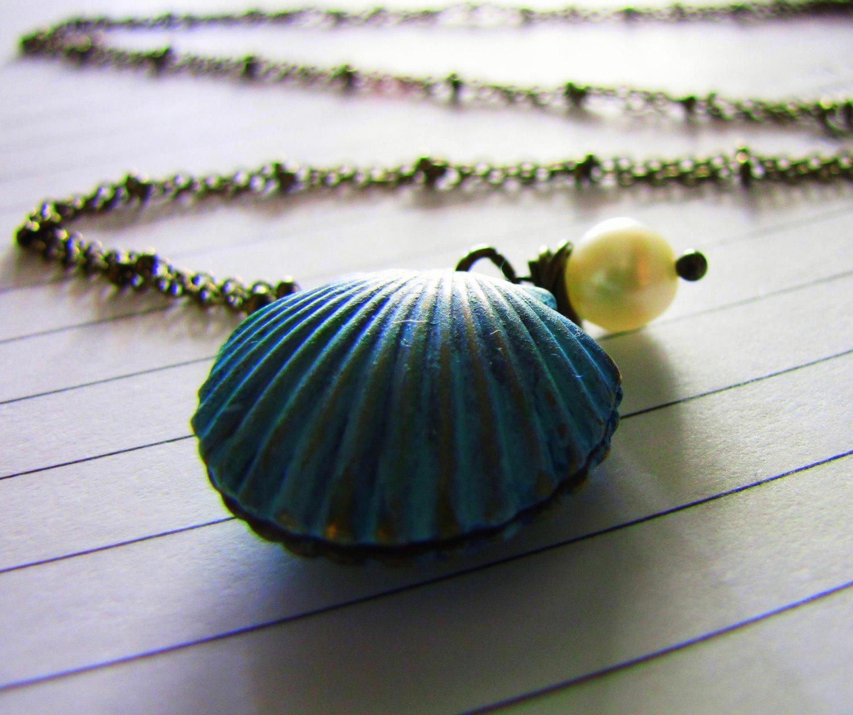 Μενταγιόν κοχύλι μπλε με φυσικό μαργαριτάρι (A242)  7e6a0d1a920
